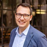 Dr. Christian Lindfeld